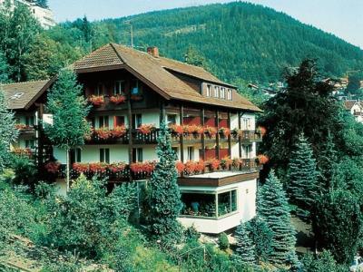 Atina-Hotel