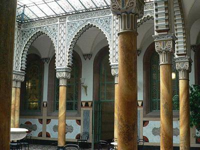 Palais Thermal Maur. Halle
