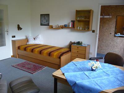 App.2 - Wohn-Schlafzimmer rechte Seite + Garderobe