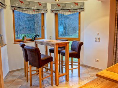 Ferienhaus Enztalblick Esszimmer mit Schwarzwald-Aussicht
